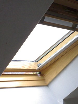 velux windows leeds roof window replacement in leeds. Black Bedroom Furniture Sets. Home Design Ideas